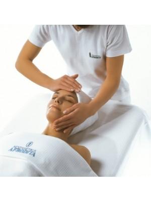 Pentru orice comanda peste 600lei primesti cadou un tratament cosmetic adecvat tipului tau de ten.